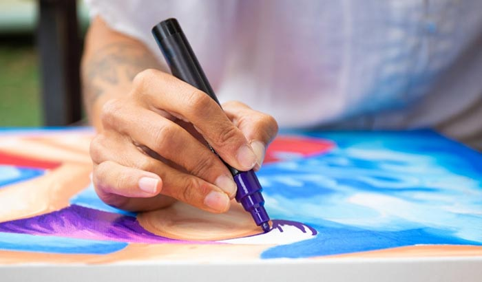 can you use markers on canvas